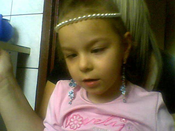 Pomóżmy 10-letniej Kasi - Źródło: www.pomocdlakasi.republika.pl
