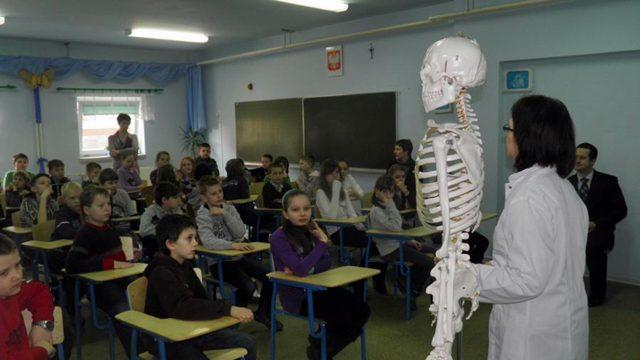 Spotkanie z lekarzem oraz szkieletem