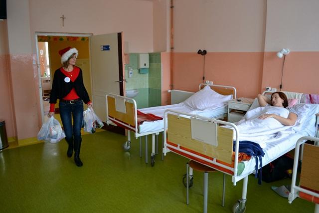 Z mikołajkową wizytą w szpitalu