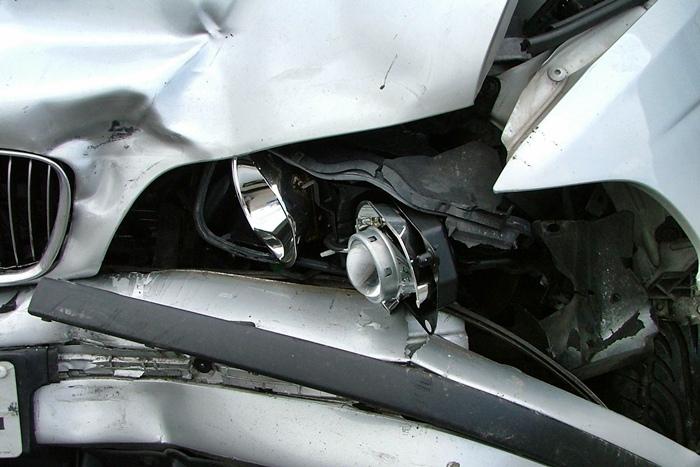 Nachlany 22-latek dachował BMW - Źródło: sxc.hu / jason conlon