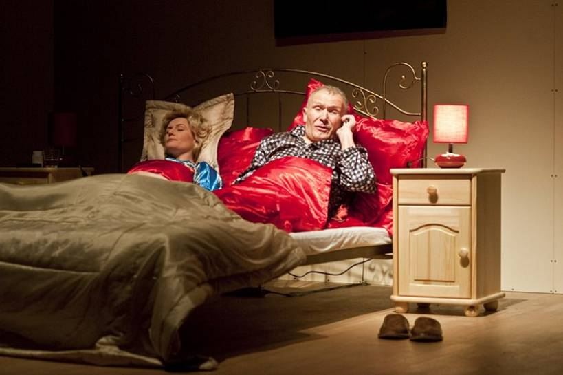 Tajemnice alkowy aktorskiej pary.../3 Razy Łóżko w Turku - Źródło: www.teatr-komedia.pl