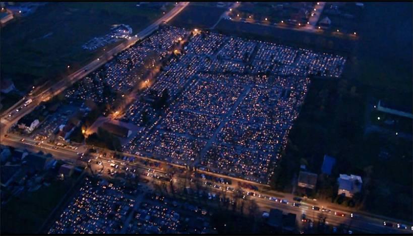 Wideo: Turkowskie cmentarze widziane z nieba - foto: kadr z filmu Leszka Adamka / Źródło: youtube