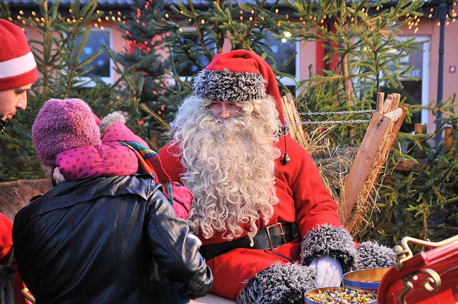 Święty Mikołaj zamieszkał w Magicznej Chatce - foto: M. Derucki