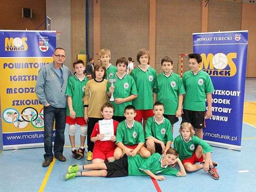 Młodzi zawodnicy walczyli o tytuł mistrza w piłce ręcznej - Foto: MOS Turek