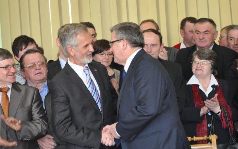 Prezydent podpisał ustawę w Dniu Sołtysa