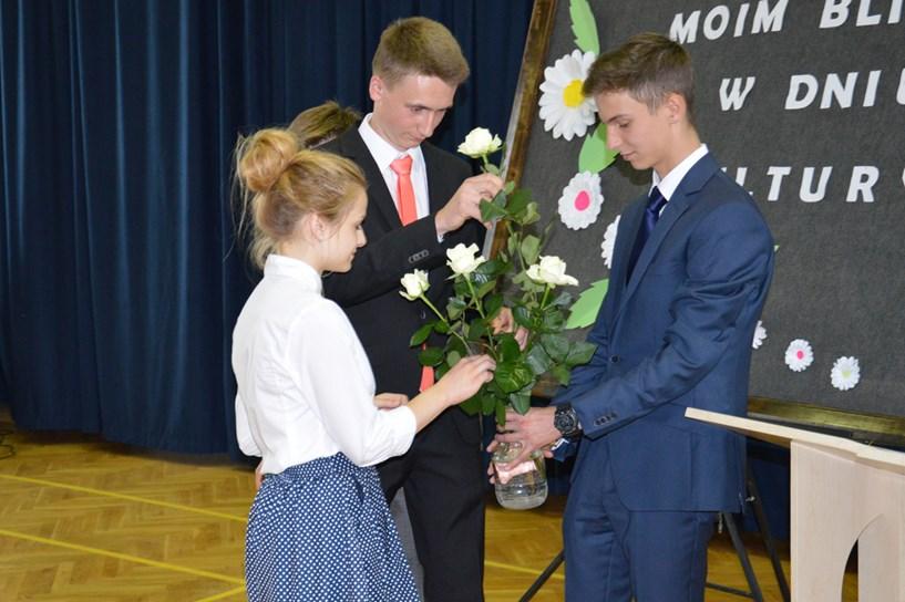 Gimnazjaliści ukazali swe talenty podczas Dnia Kultury - foto: Gimnazjum nr 2 w Turku