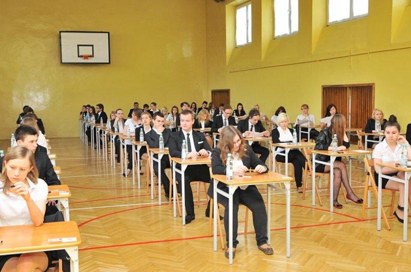 Znamy wyniki matur. Egzamin przerósł dziesiątki nastolatków