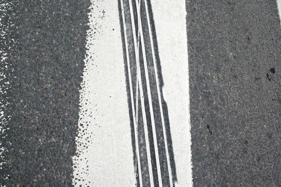 Auto dachowało, pasażerów brak - Foto: sxc.hu / Bjarne Henning Kvaale