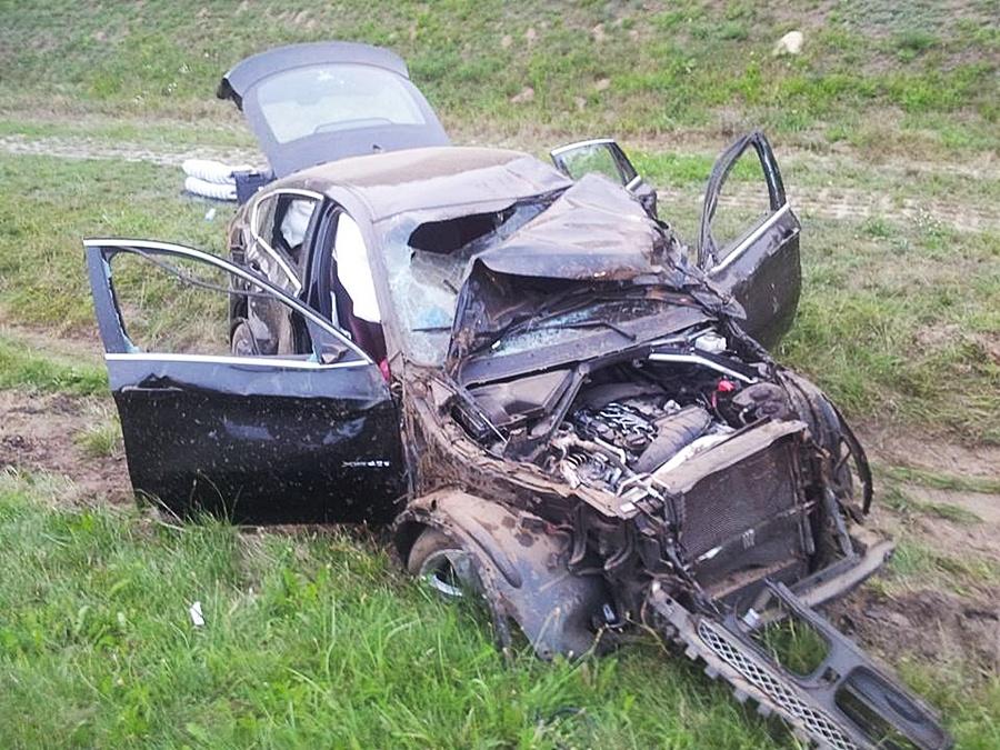 Zdarzenie drogowe na A2 - Foto: OSP Brudzew / facebook profil OSP Brudzew