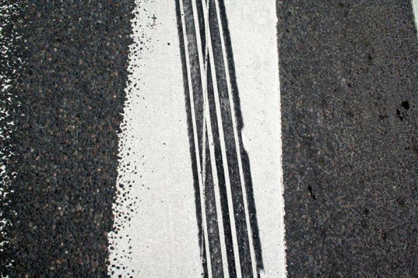 Doznała otwartego złamania, bo na pasach uderzyło ją auto - foto: freeimages.com / Bjarne Henning Kvaale