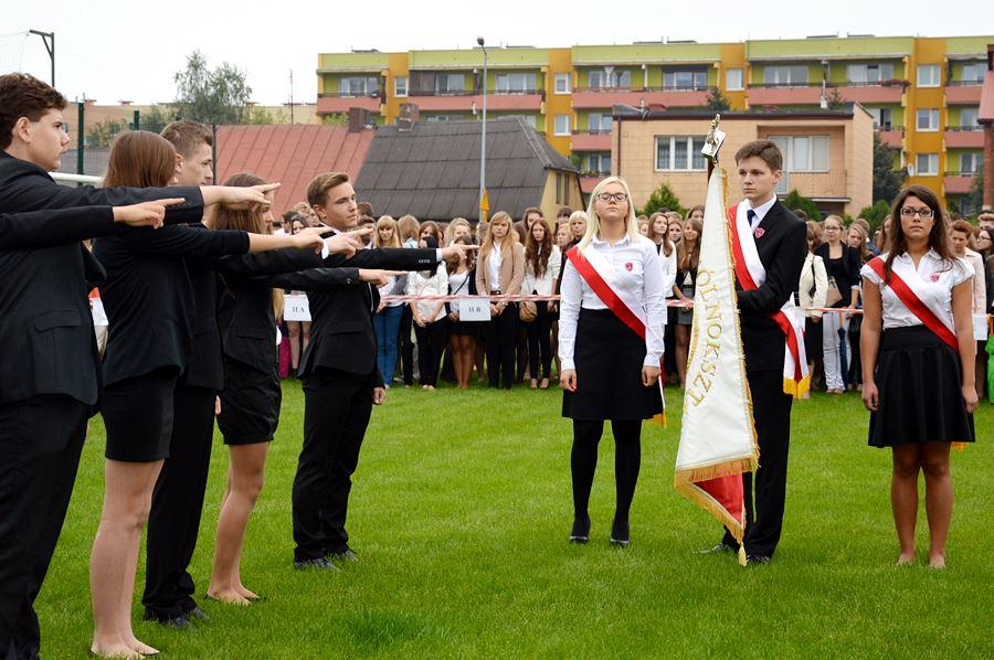 Uczniowie z I LO rozpoczęli rok szkolny - foto: Starostwo Powiatowe w Turku