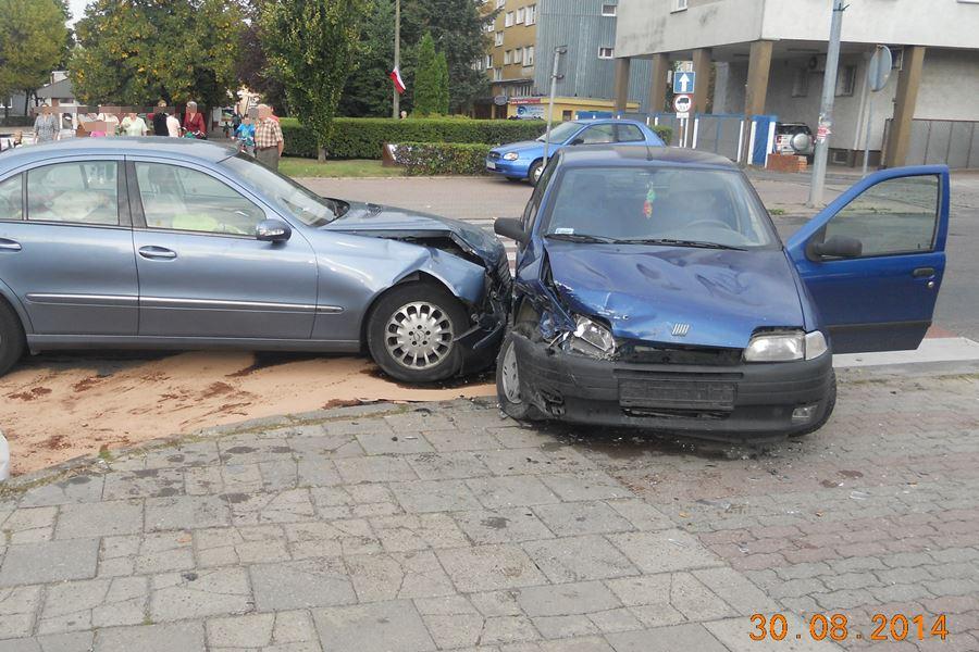Zderzyli się pod Komendą - foto: PSP Turek