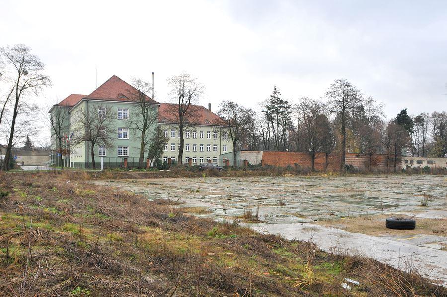 Kto odpowie za budowę kolejnego marketu – burmistrz Czapla czy radni? - foto: M. Derucki