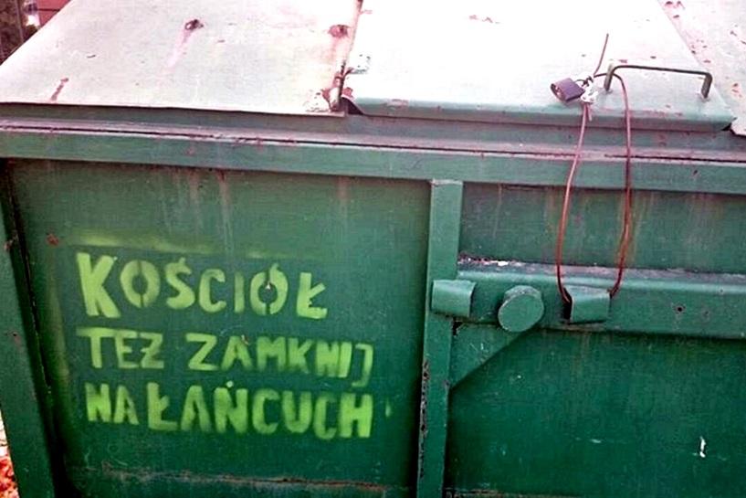 """Mieszkańcy Psar: """"Kościół też zamknij na łańcuch!"""" [aktualizacja] - foto: archiwum prywatne"""