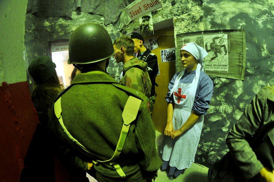 Wstrząsająca lekcja historii - foto: M. Derucki