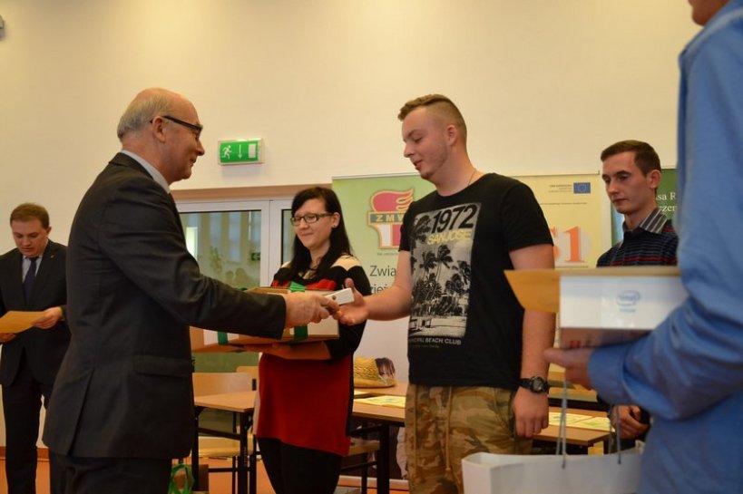 Sukces uczniów ZSR w woj. finale Olimpiady o Odnawialnych Źródłach Energii