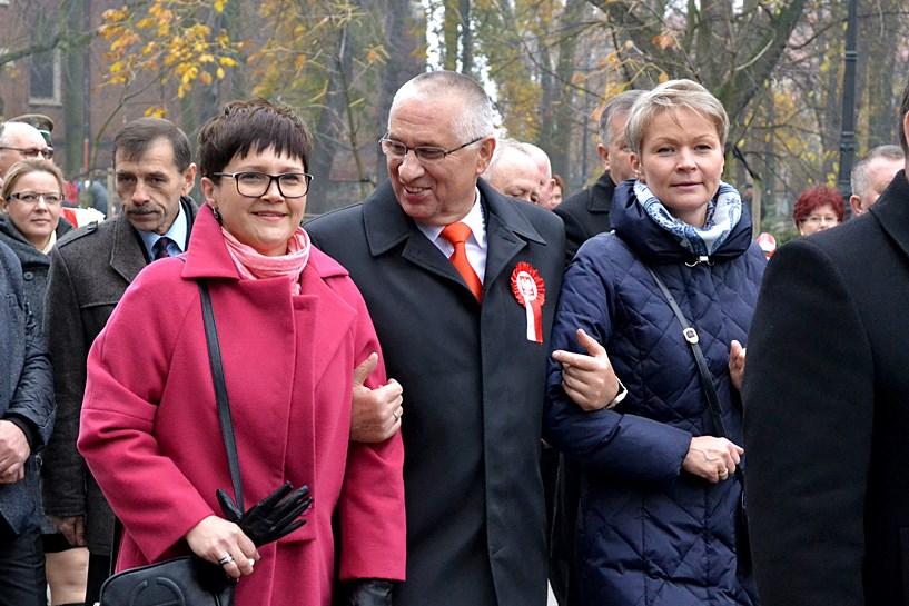 Kwiaty, wpadki i polityka czyli Święto Niepodległości w Turku - foto: Arkadiusz Wszędybył