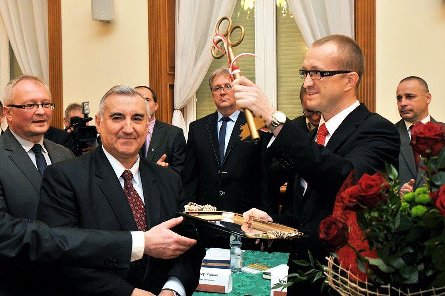Antosik objął stanowisko burmistrza - foto: M. Derucki