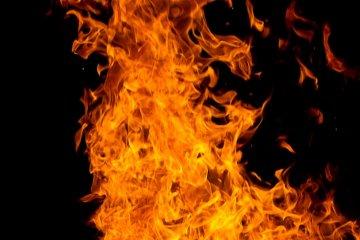 Odpalił Ibizę, a ta spłonęła