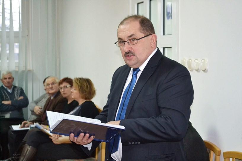 Budżet gm. Turek przyjęty. Kończak dał nowym radnym lekcję sesyjnej aktywności