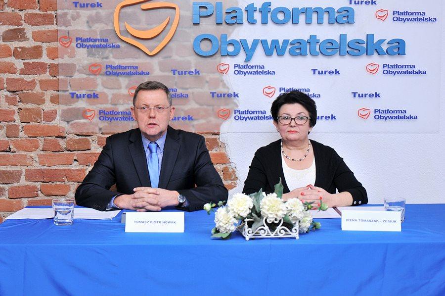 """Posłowie PO popierają inicjatywę """"ostatniej szansy"""" - foto: M. Derucki"""