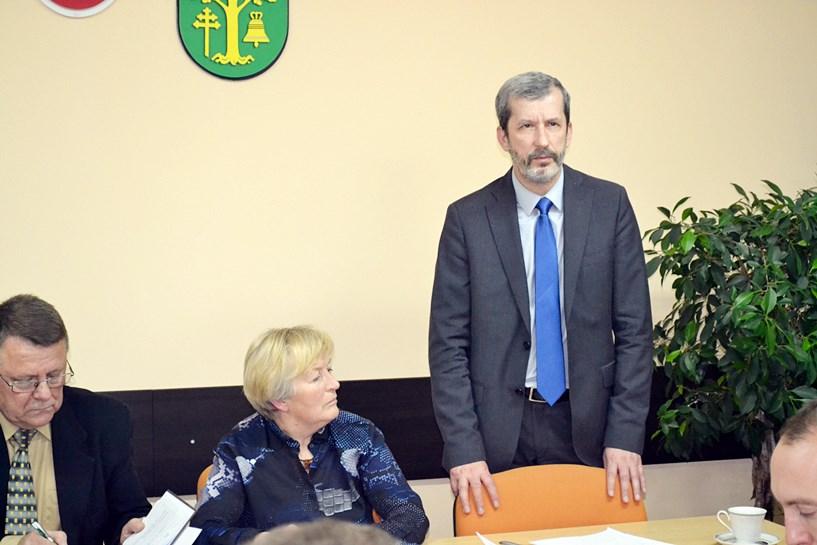 Prentczyński zarobi mniej, niż Krzeszewski