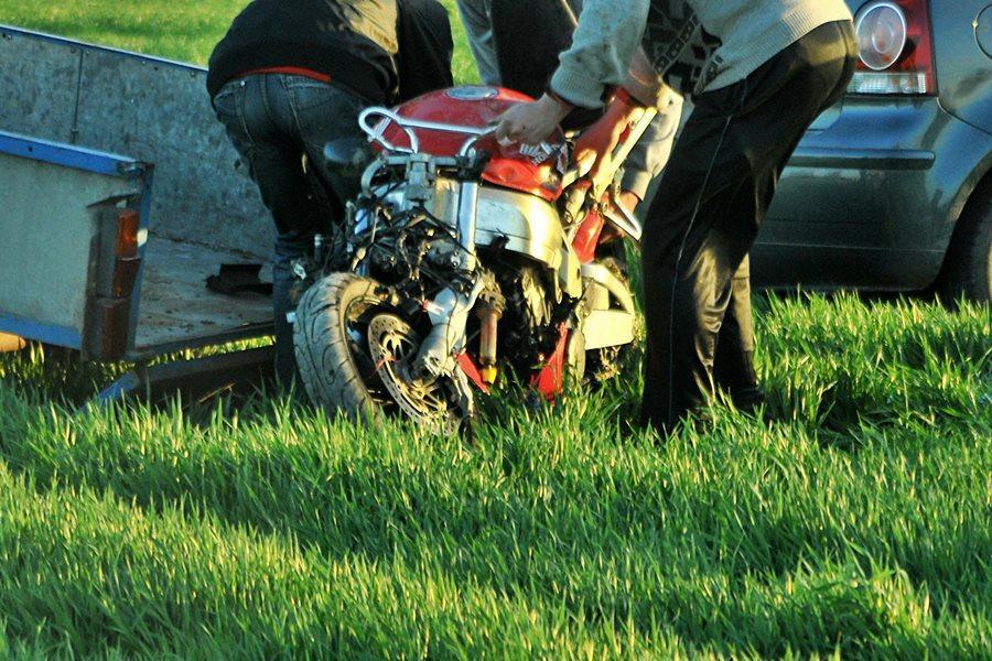 Tragedia w Mikulicach. 22-letni motocyklista nie żyje