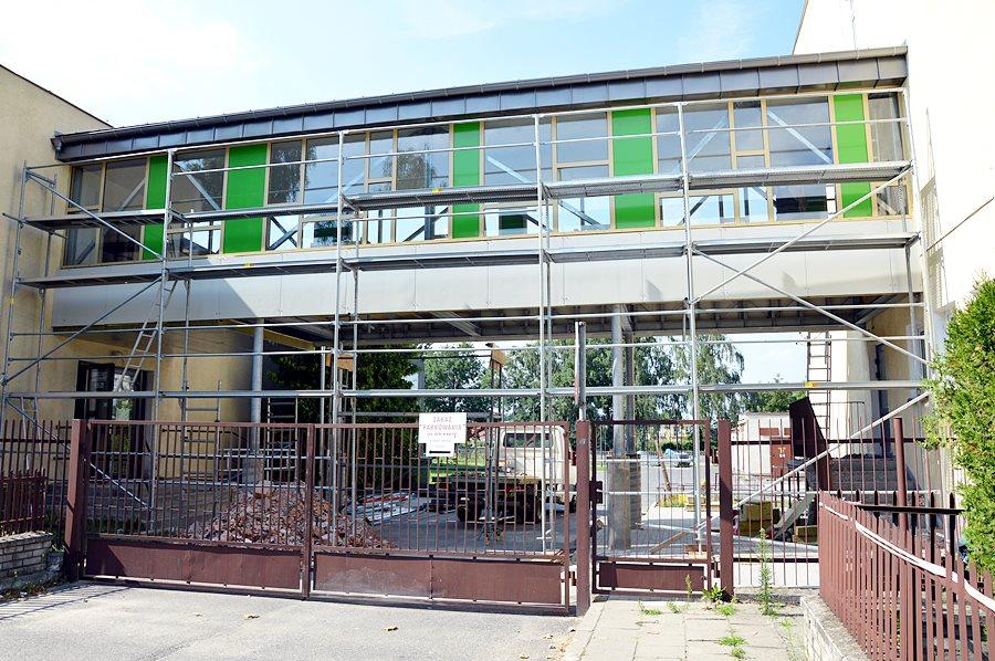 Połączone budynki Zespołu Szkół Technicznych