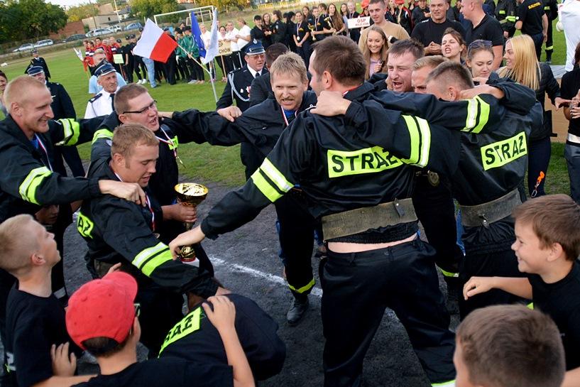 Karski triumfuje! OSP Janiszew Mistrzem! Głuchowianki najlepsze wśród pań! - foto: Arkadiusz Wszędybył