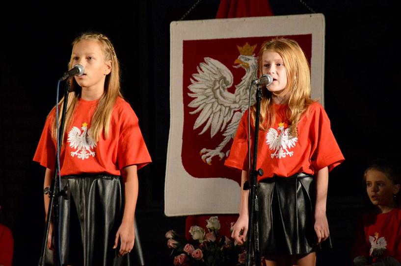 Radosny patriotyzm w Tuliszkowie. Był sport, uśmiechy dzieci i piękny koncert - foto: Arkadiusz Wszędybył