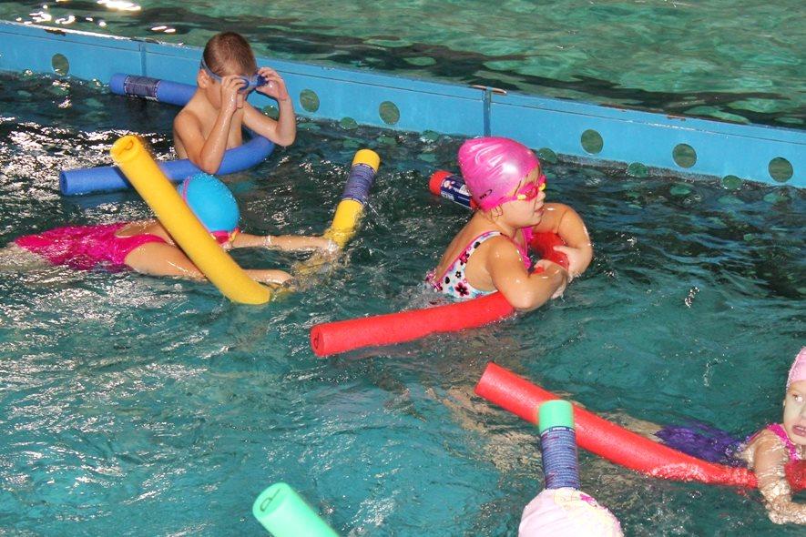 40 dzieciaków ukończyło bezpłatną naukę pływania