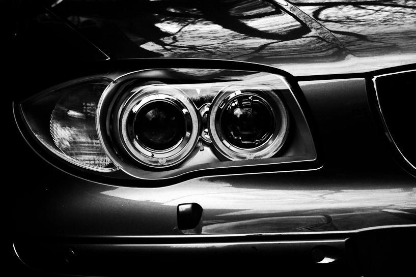 Miał ponad 3 promile, wsiadł do BMW i stuknął w cudze auto - foto: freeimages.com / margarit ralev