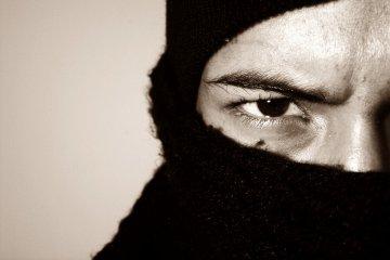 Bibianna: Bandyci w kominiarkach napadli na sklep