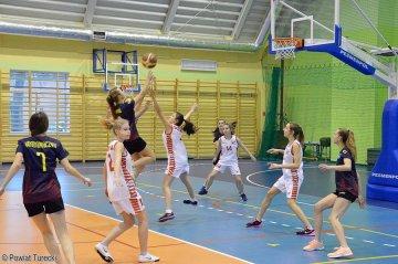 Koszykówka: Dziewczyny z Dobrej zdobyły...