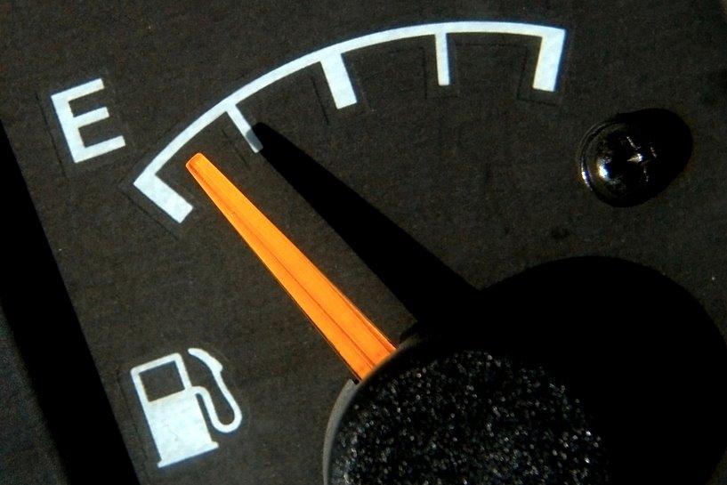 Tuliszków: Kradli paliwo z czego się dało - foto: freeimages.com / Benjamin Earwicker