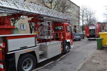 Pożar bloku na Smorawińskiego i ewakuacja...