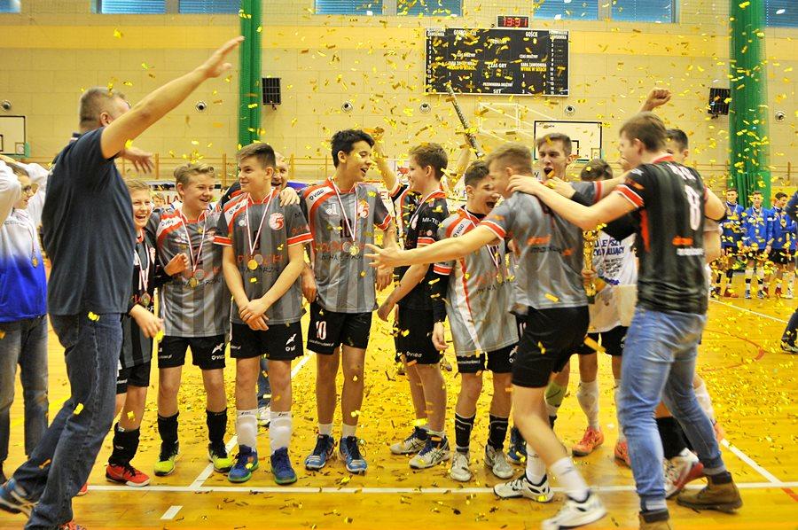 UKS Piątka zdobyła mistrzostwo - foto: M. Derucki