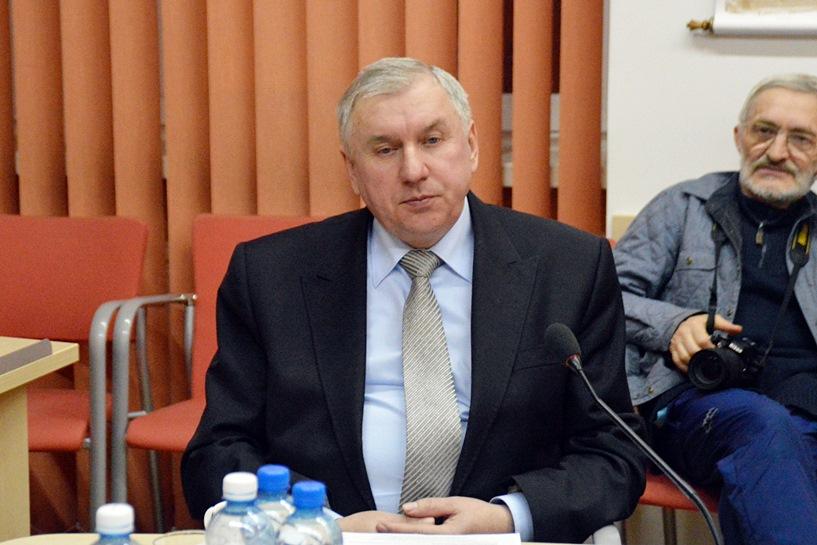 Powiatowe pieniądze znów dla Przykony? Młynarczyk mówił, że inne gminy też mają potrzeby - Radny Papierkowski bronił decyzji Zarządu Powiatu.