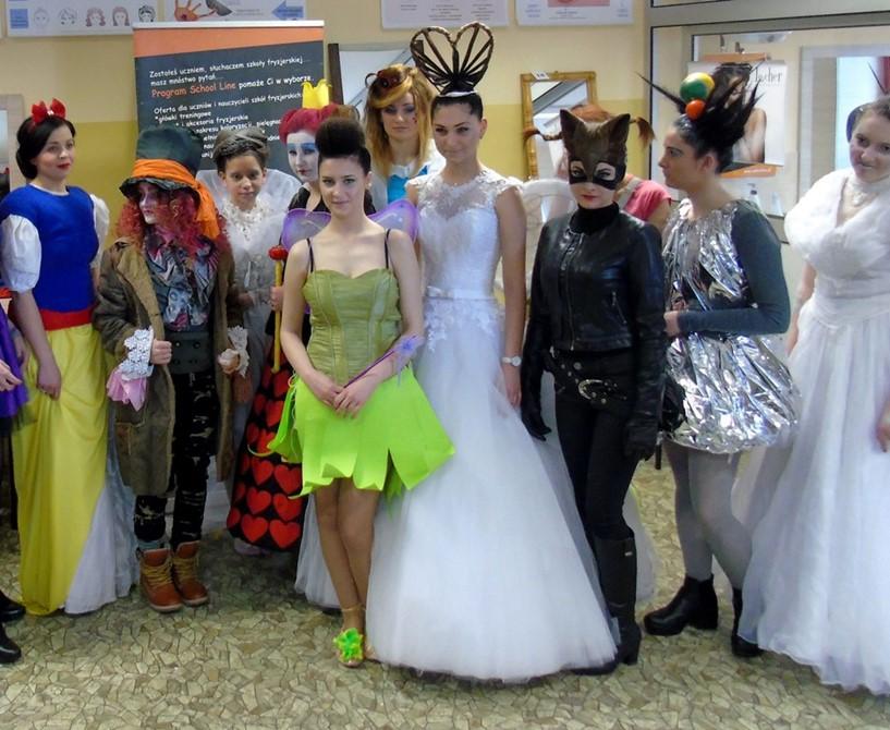 Sukces uczennic ZST w Konkursie Fryzjerskim