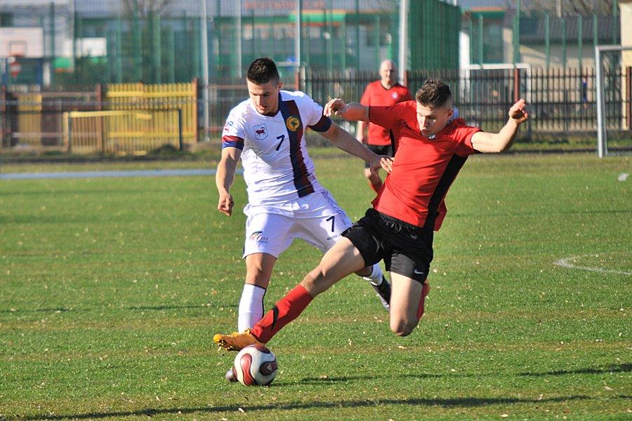 TUR pokonał Łuczywno 3:0. Kibice dopisali - foto: M. Derucki