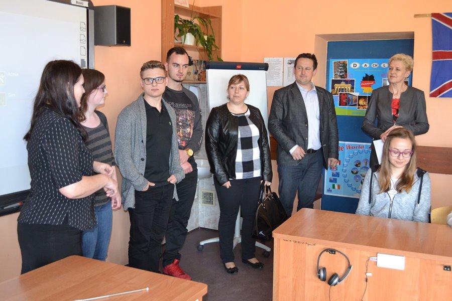 Marcel, Luca i Rebecca odwiedzili uczniów z Grzymiszewa