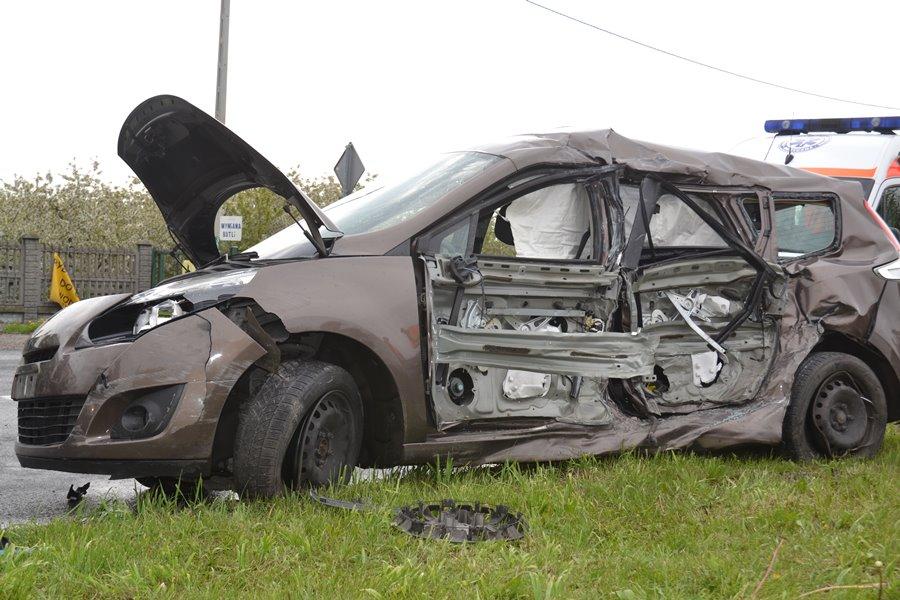 Tuliszków: Zderzenie samochodu osobowego z ciężarowym