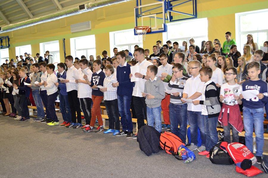 Uczniowie z Dobrej dołączyli do bicia rekordu. Wspólnie czytali fragment Potopu
