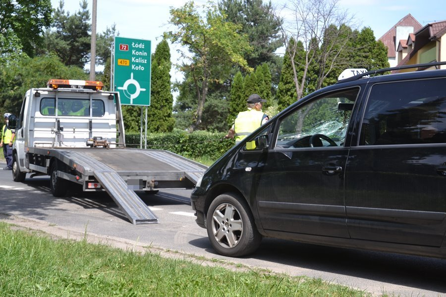 Taksówkarz potrącił 26-latkę na pasach
