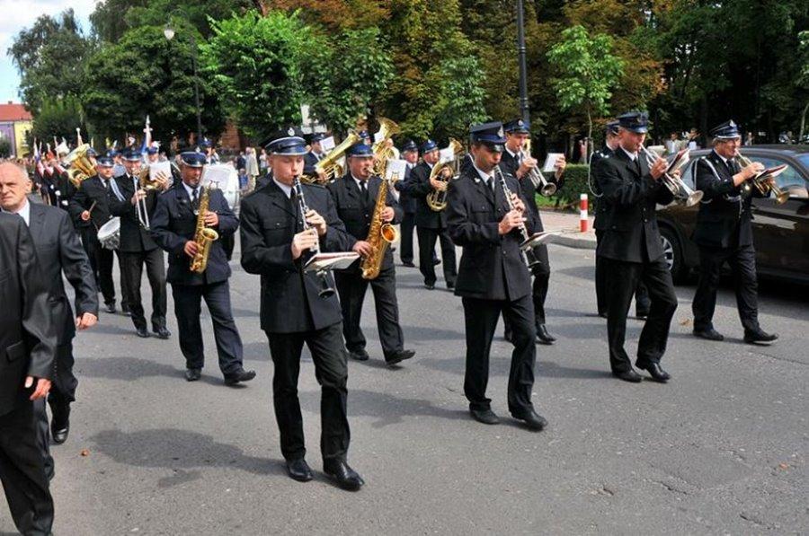 Uroczystość Święta Wojska Polskiego i festyn rodzinny w dużym parku - Foto: M. Derucki