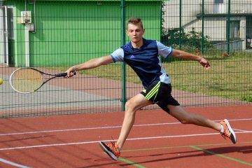 Malanów: Deblowe zmagania tenisistów