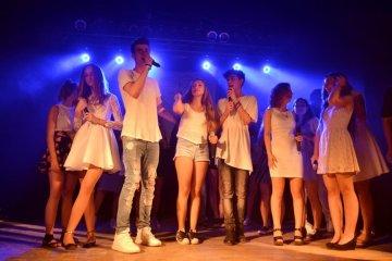 Youtuberzy i wokaliści na koncercie w MDKu ....