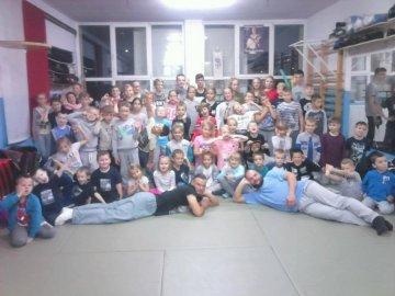 Karatecy na szkoleniu w ramach Nocy Samurajów