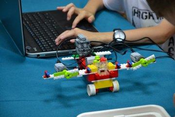 Kreatywne Warsztaty i Robotyka w bibliotece!