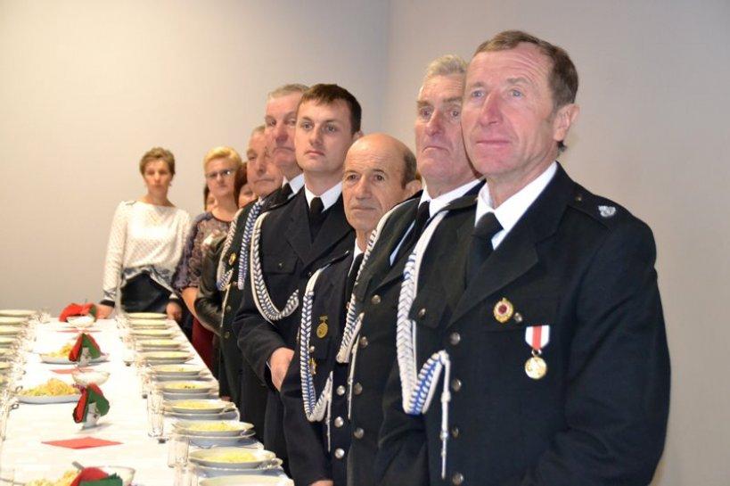Krwony: Huczne 100-lecie OSP! Straż otrzymała Złoty Medal, mają też piękną strażnicę - Foto: G. Oblizajek